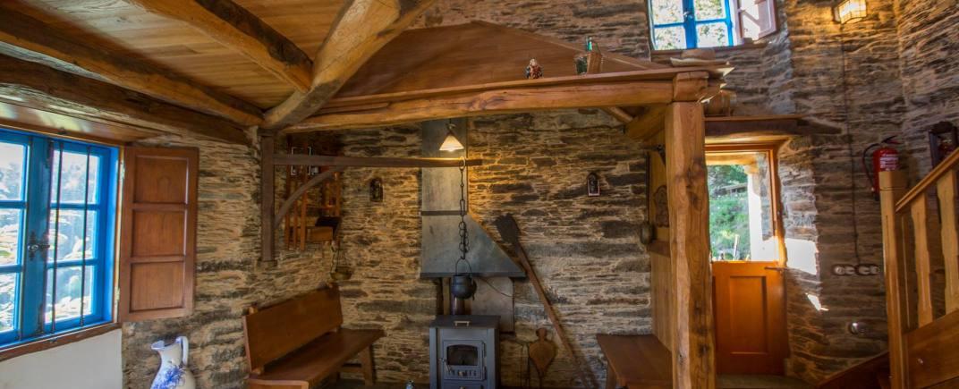 Lareira de la Vivienda Turística Casa Quitapenas de Turismo Rural